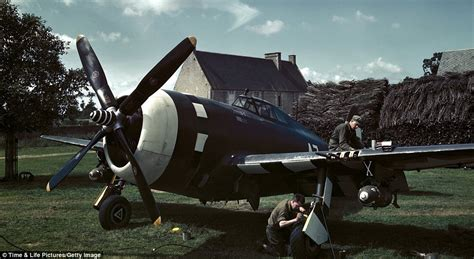 Stunning and rare full colour images from World War II