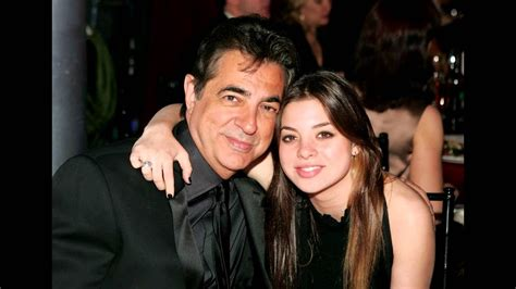 Joe Mantegna and his wife Arlene Vrhel and their children