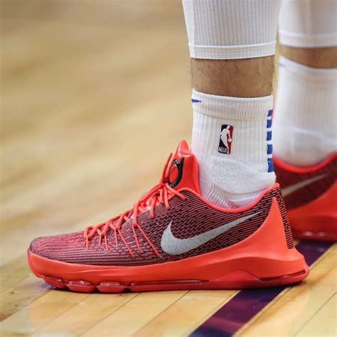 What Pros Wear: : Luka Doncic's Nike KD 8 Shoes