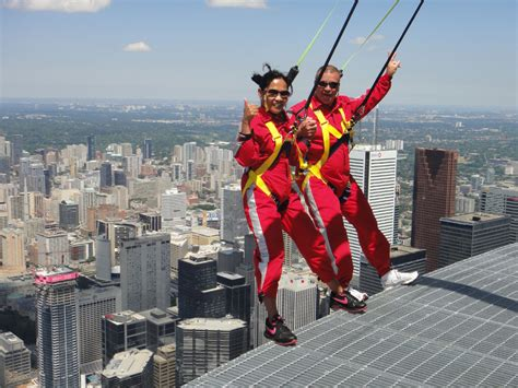 Valentine's Day 2012: He proposed to daredevil on CN Tower